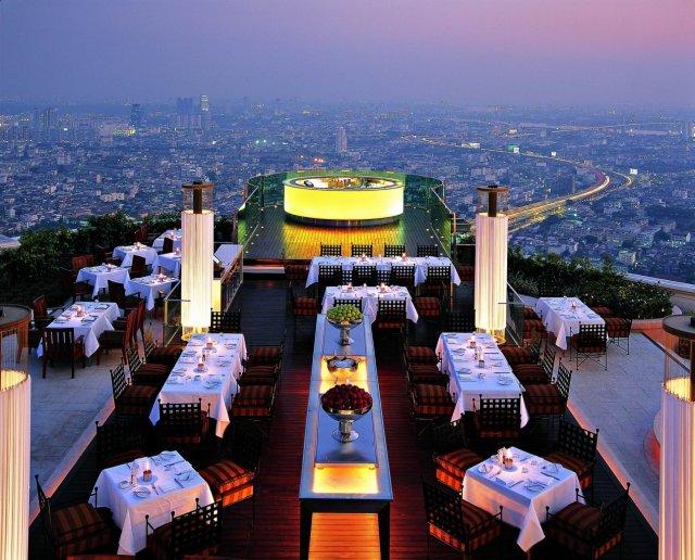 Sirocco ligger på 63:e våningen av Lebua at State Tower i Bangkok.