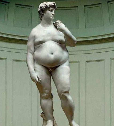 Jag liknar snart en grekisk gud. I alla fall den här guden.
