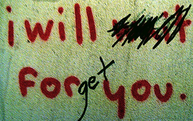 """I will wait for you"" / ""I will forget you"""